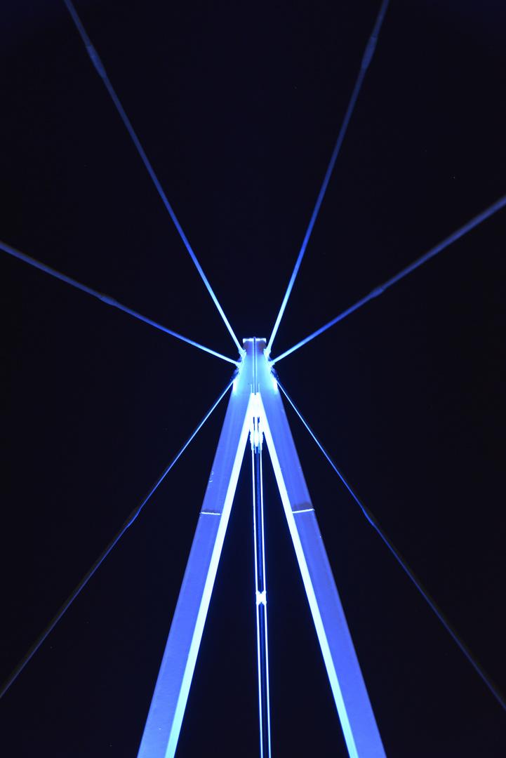 Zugbrücke bei Nacht