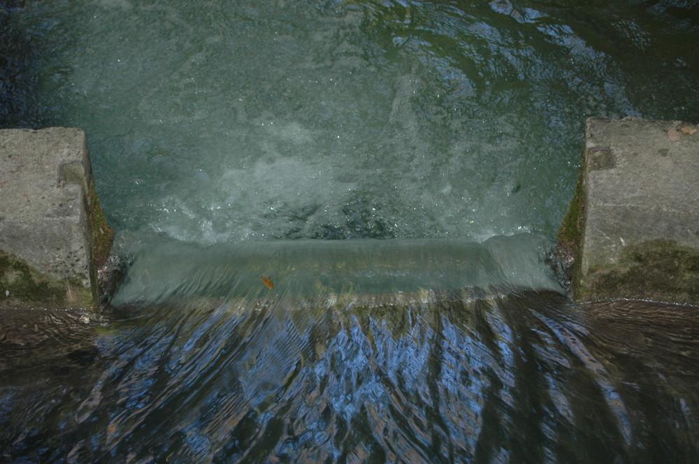 Zugegeben ein kleiner aber ein Wasserfall !!!