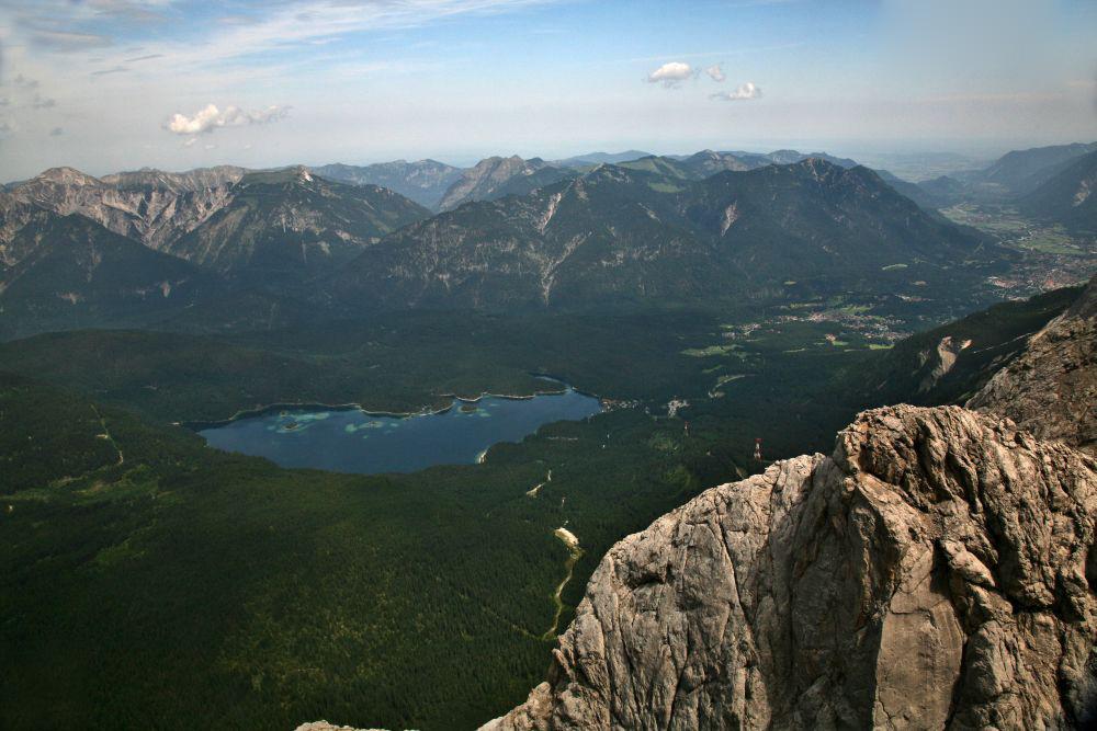 Zugspitze I Mit Blick auf den Eibsee