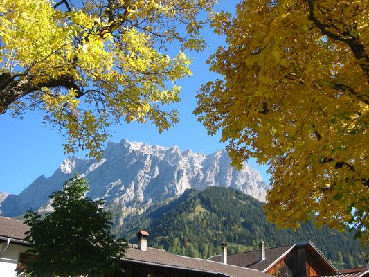 Zugspitze im Herbstkleid