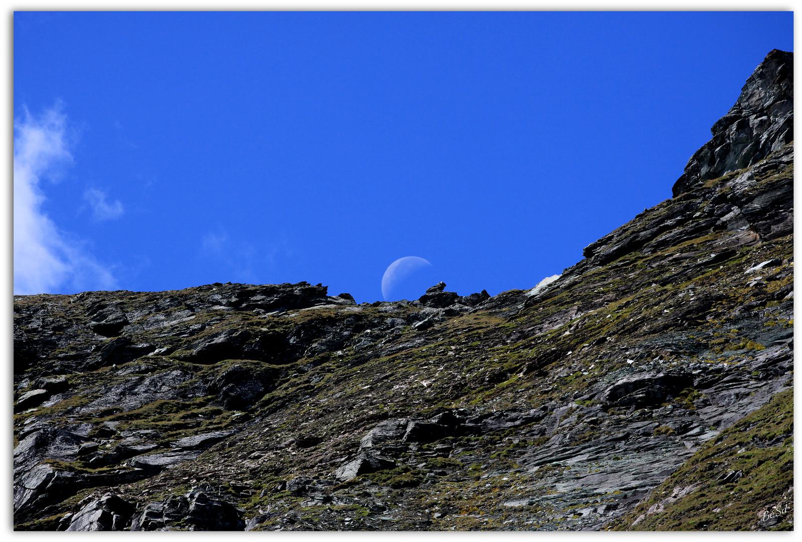 zum Mond zu Fuß