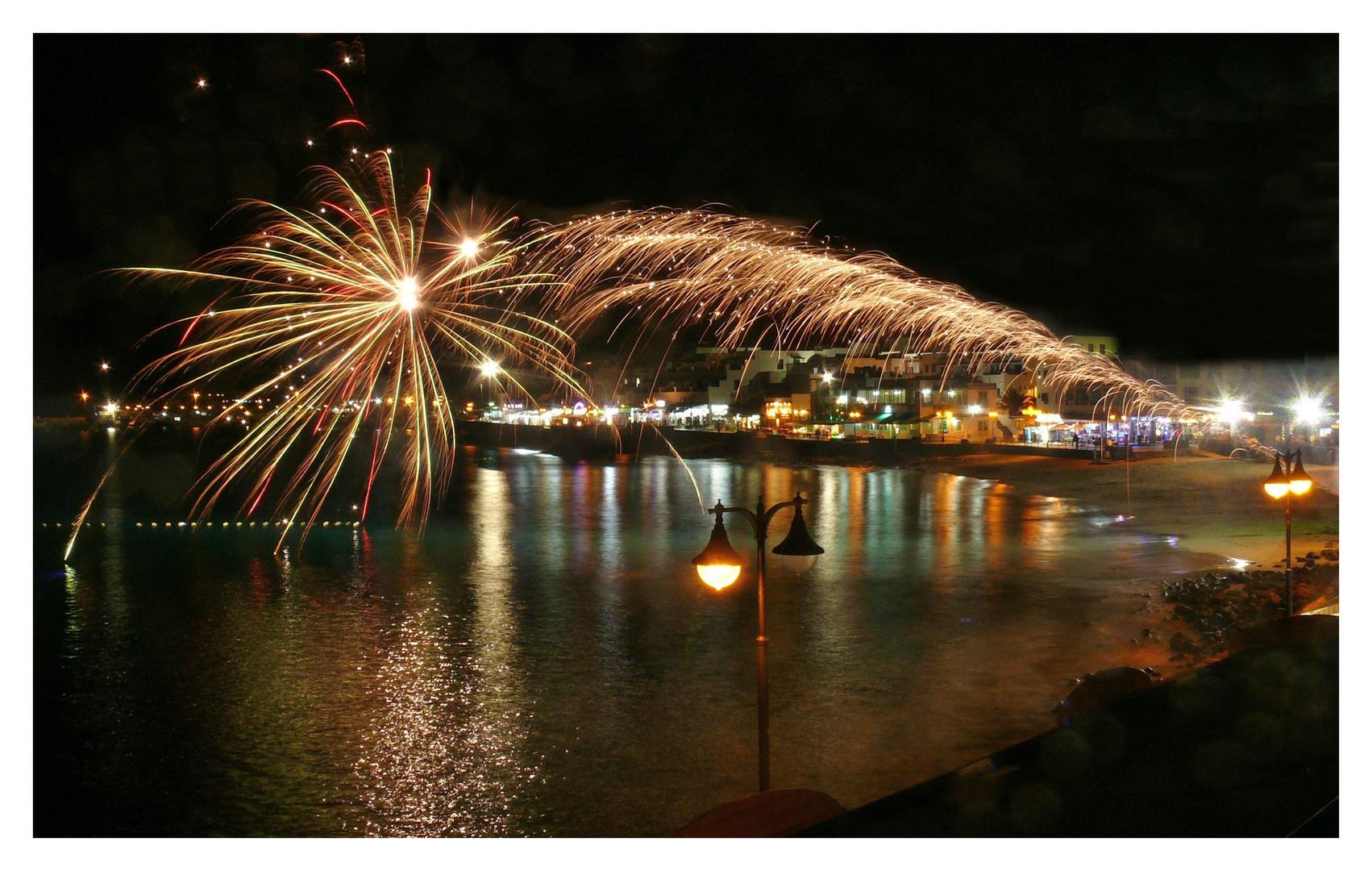 Zur Feuerinsel gehört auch ein Feuerwerk ....