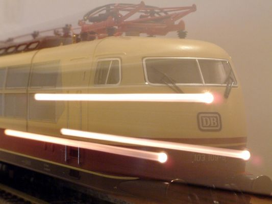 Zur Innerung der Deutsche Schnell Fahrloks BR103