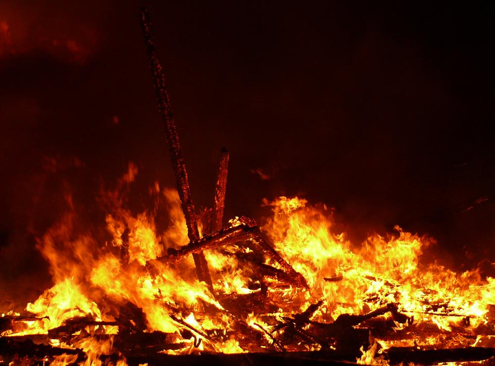 Zweckloser Kampf gegen Feuer