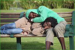 ZWEI auf der Parkbank ... in Kapstadt