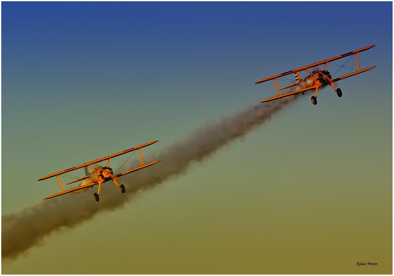 Zwei Boeing Stearman bei bestem Flugwetter...