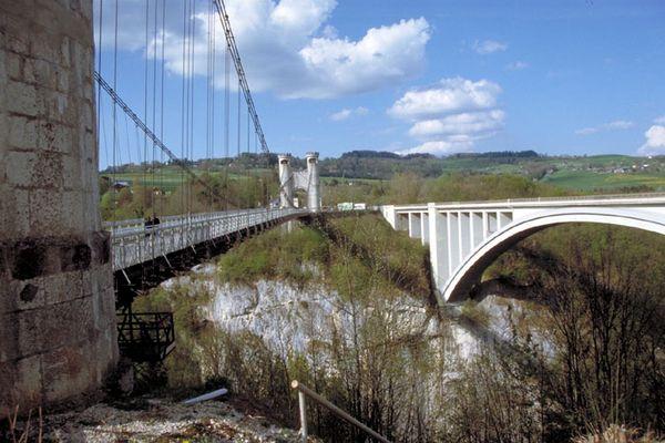 Zwei Brücken in Frankreich