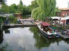 zwei der schönen Bars in Berlin direkt am Wasser