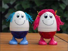 Zwei Eierkocher auf dem Weg zu sich selbst