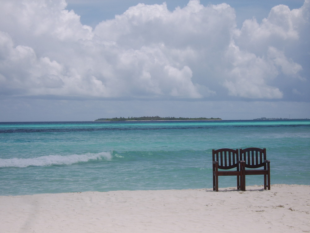 zwei einsame Stühle...