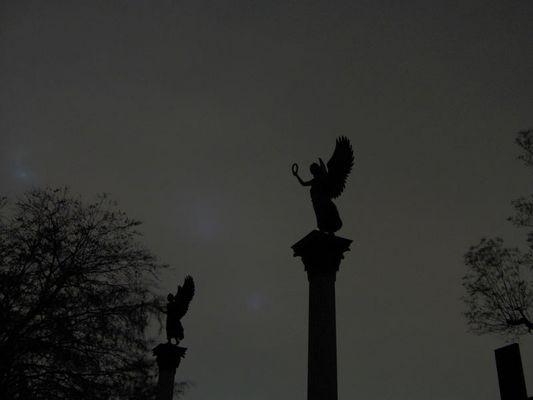 Zwei Engel in der Nacht