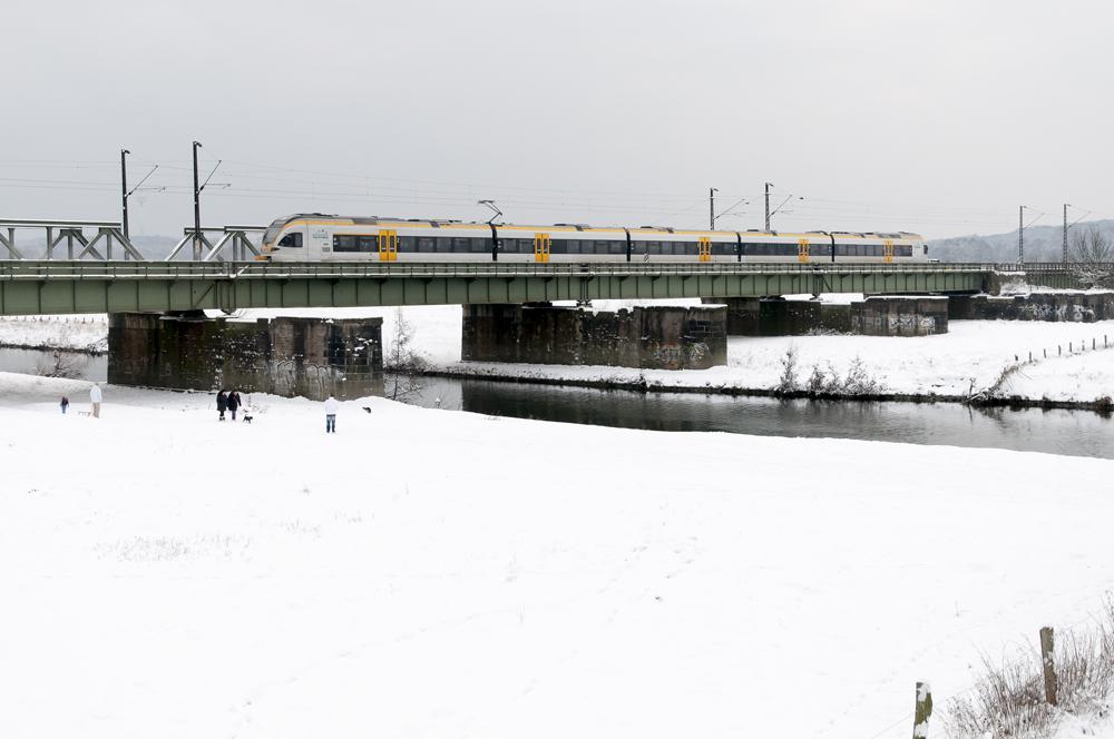 Zwei Hunde, fünf Menschen und der Rhein Emscher Express.