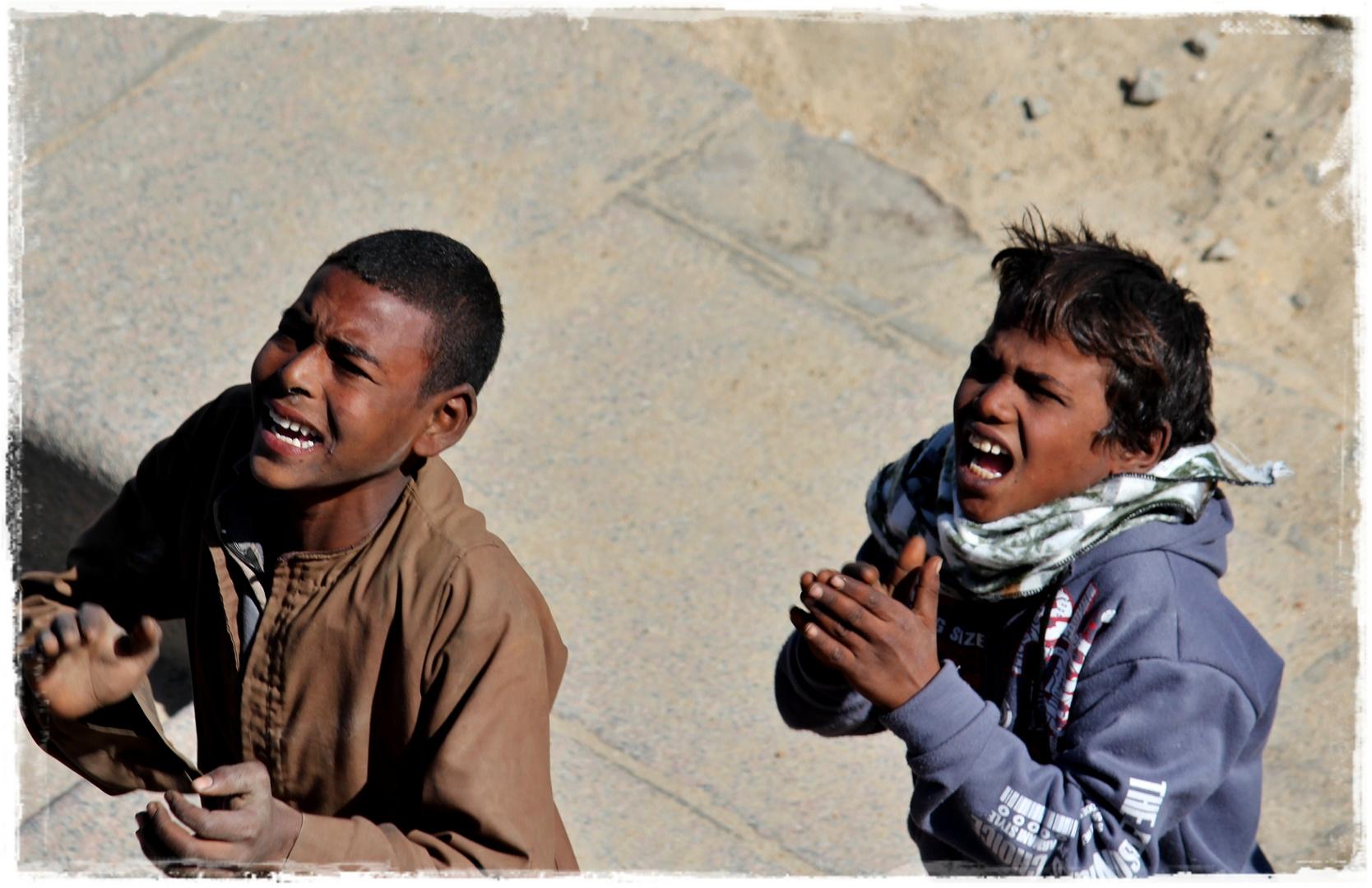 zwei Jungs in Ägypten