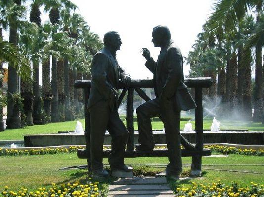 Zwei Männer im Park