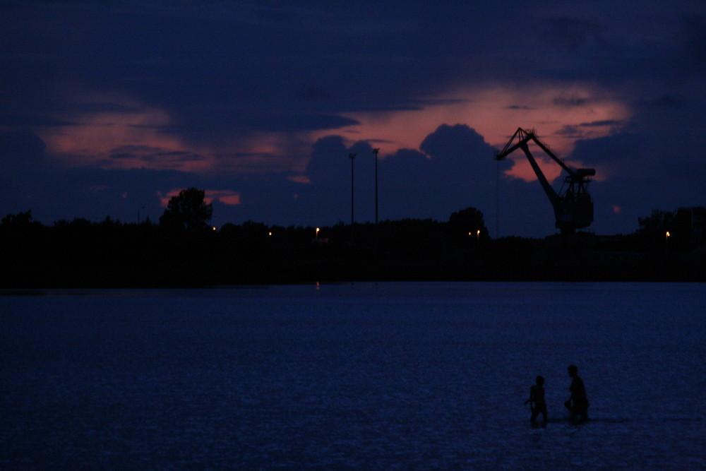 Zwei Nachtschwimmer in der Dänischen Wieck