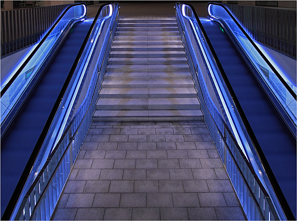 Zwei Rolltreppen