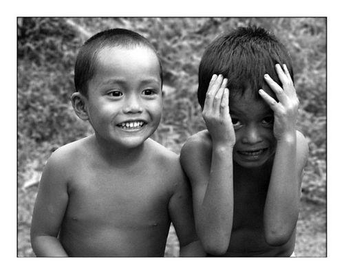 Zwei schüchterne Iban-Boys