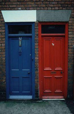 Zwei Türen