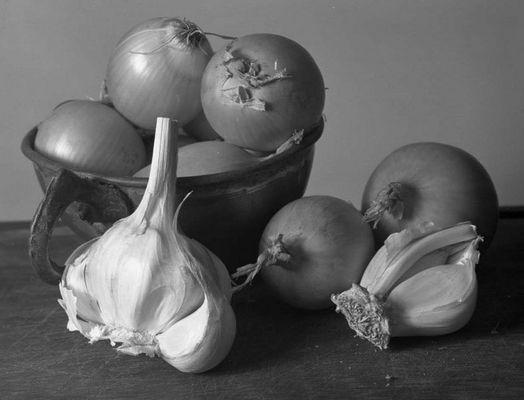 Zwiebeln und Knoblauch