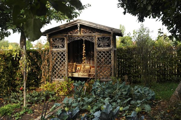Zwiebelpavillon im Bauerngarten