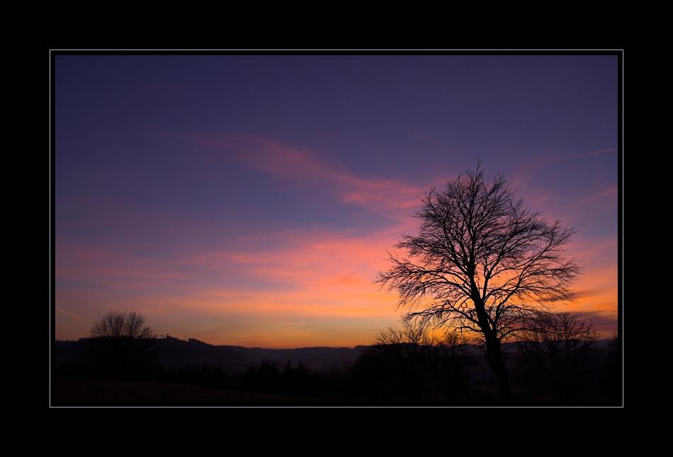 zwische Tag und Nacht legt sich die Farbenpracht