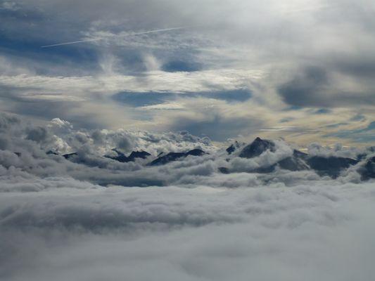 ~ Zwischen den Wolken ~