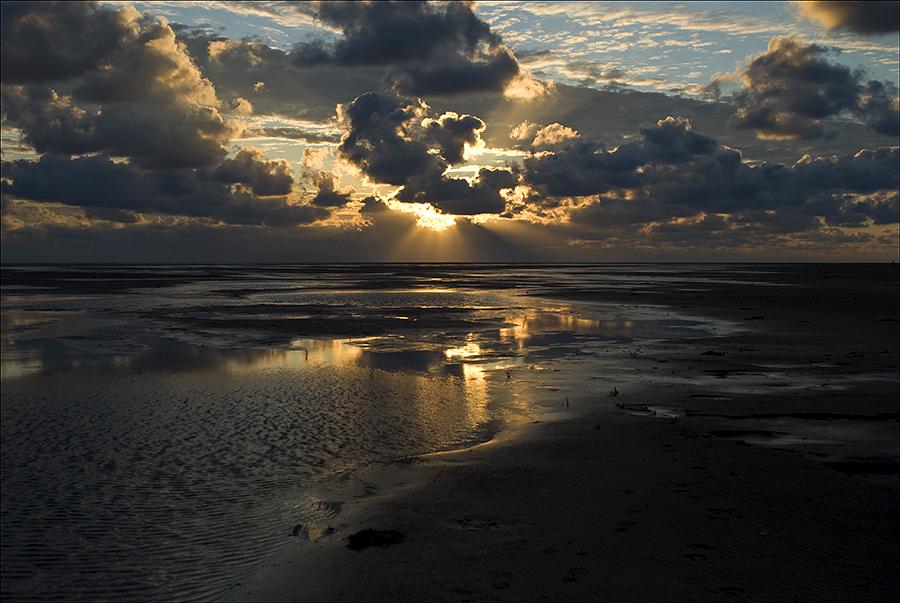 ZWISCHEN Himmel und Meer