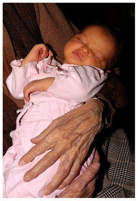 Zwischen meiner Nichte und ihrer Urli liegen 97 Jahre!