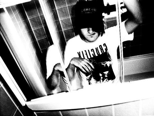 zwischen Spiegel und Badewanne finde ich mich wieder
