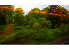 Zwischenwelt Drinnen Draußen Nirgendwo... zu schnell Glas Grün Welt wo??
