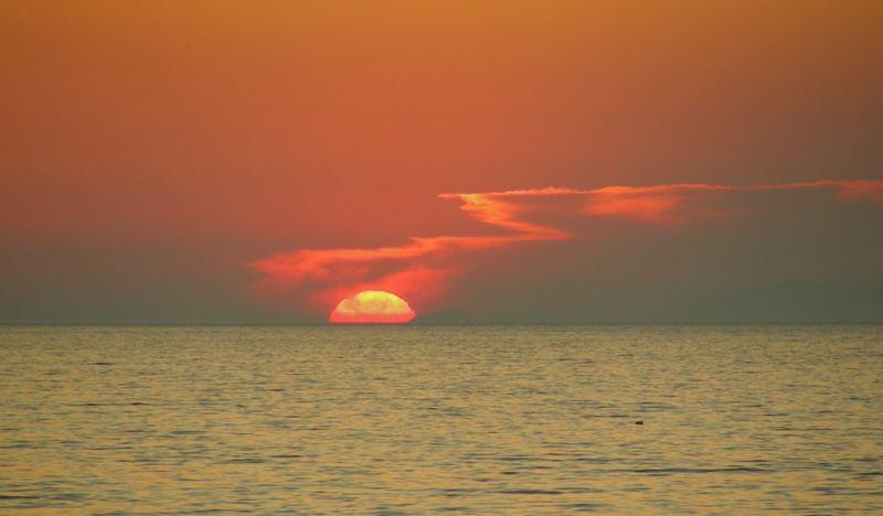 Zzziiiischhhh......die Sonne ist eben heiß.....
