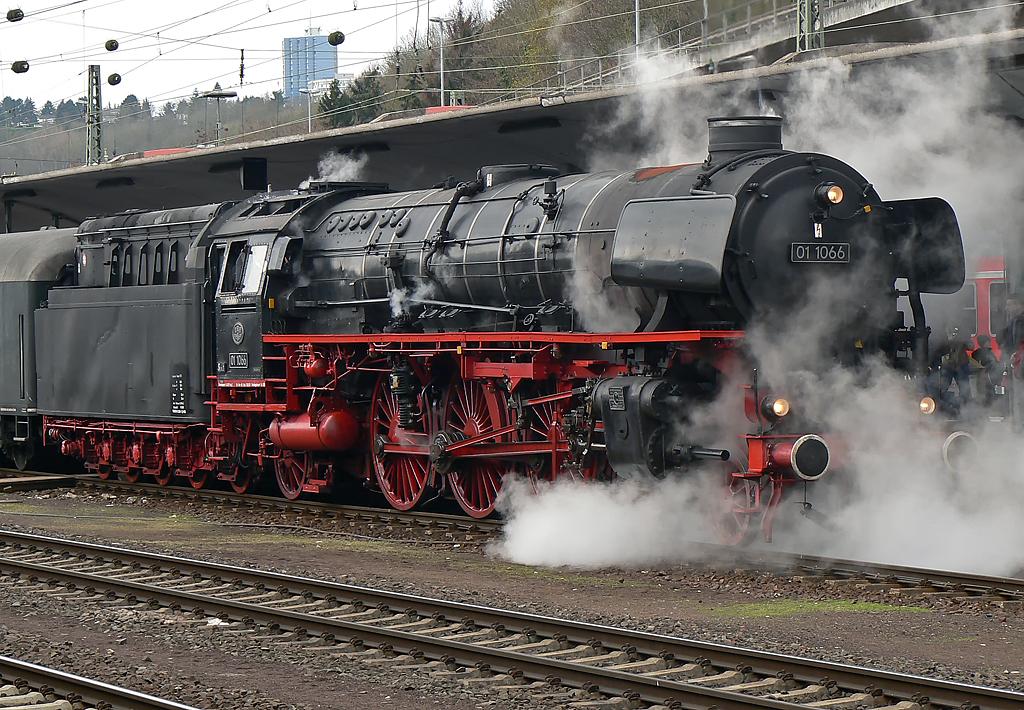 01 1066 in Koblenz Hbf