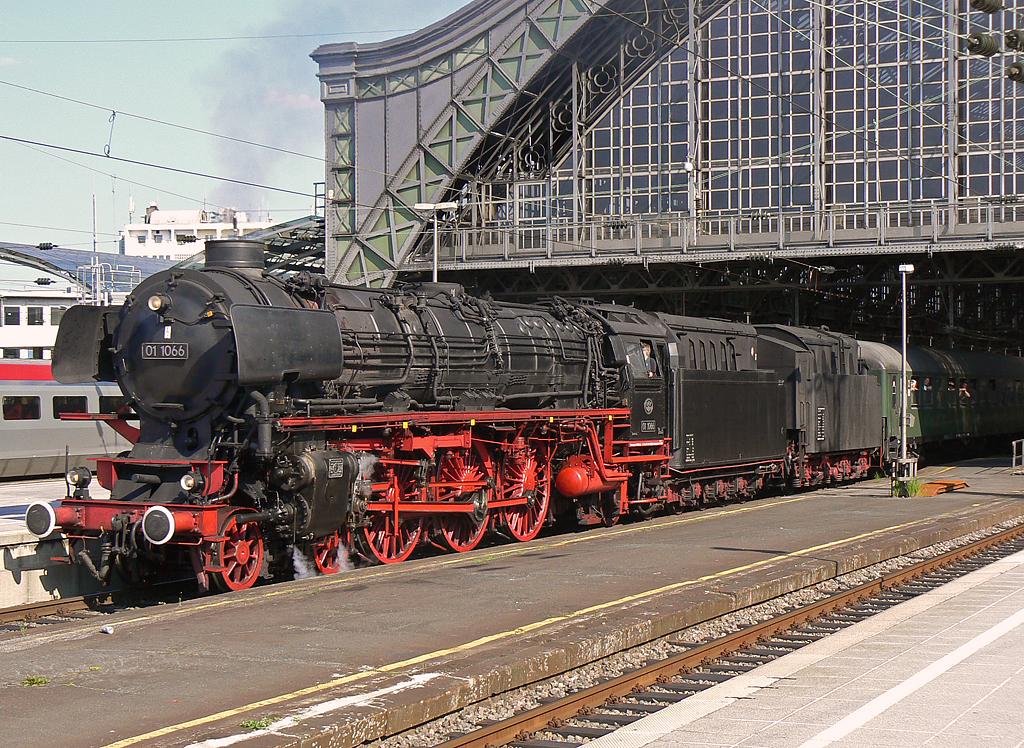 01 1066 in Köln Hbf !