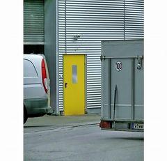 01 Geschlossene Tür zum Arbeitsplatz ...
