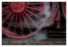 012 066-7 mit etwas Dampf
