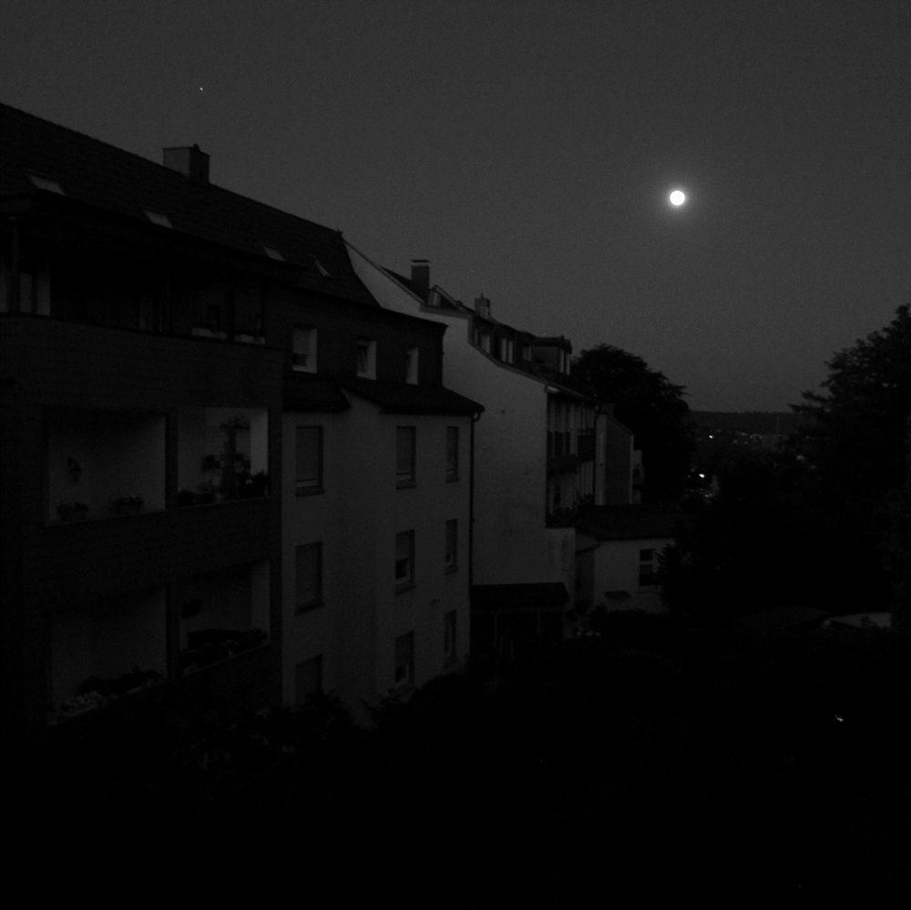 03:57 Uhr