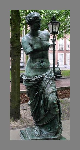 0375-FC-FL-Salvador Dali (1904-1989) Venus de Milo aux tiroirs (1964) Totaal
