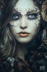 052_darkbeauty