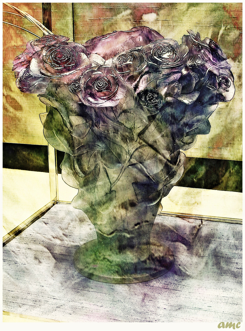0689        _________GLASS FLOWERS...