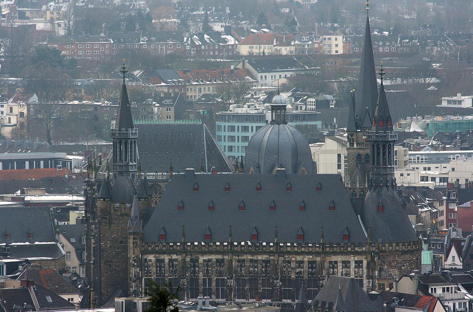08257 einmalig (Aachen Rathaus und Dom)