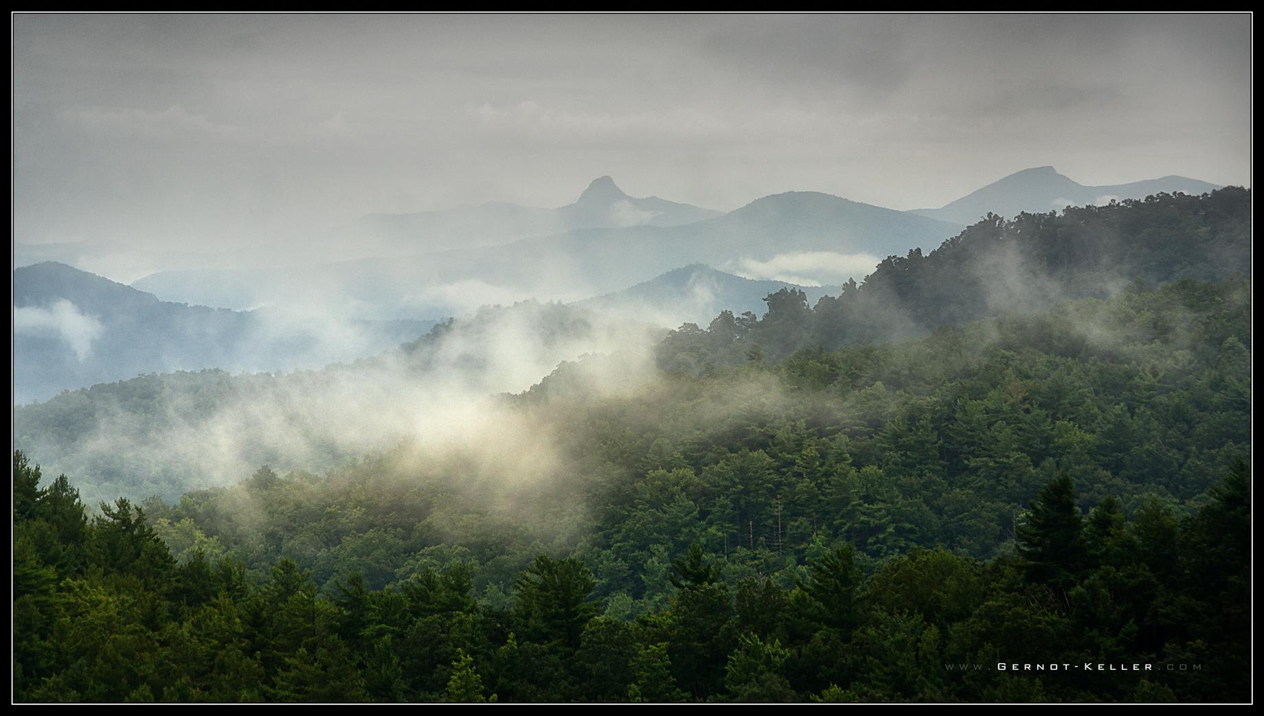 09253 - Fog along the Blue Ridge Parkway