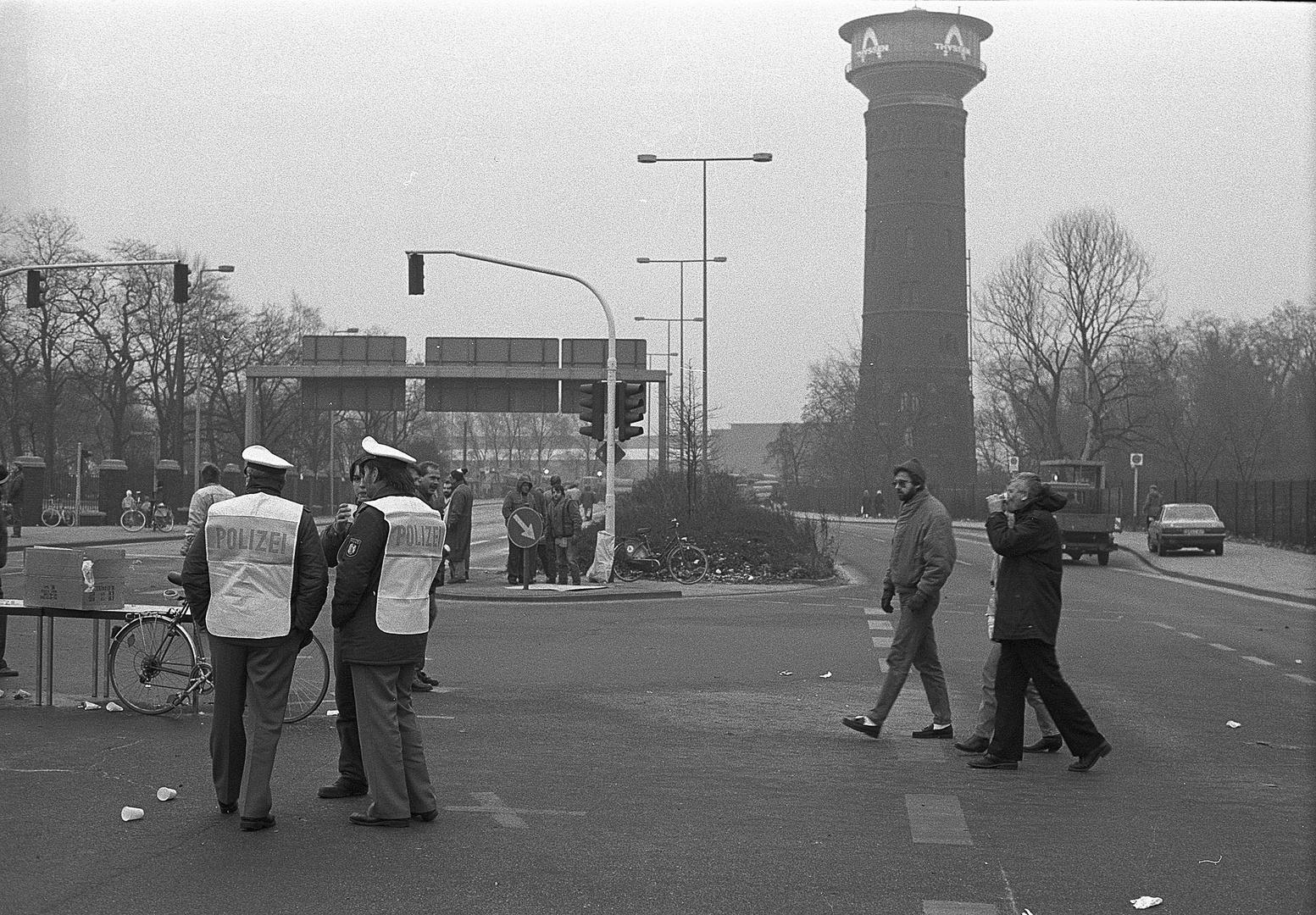 1. Demonstration gegen Schließung von Rheinhausen - 11.1987 #2
