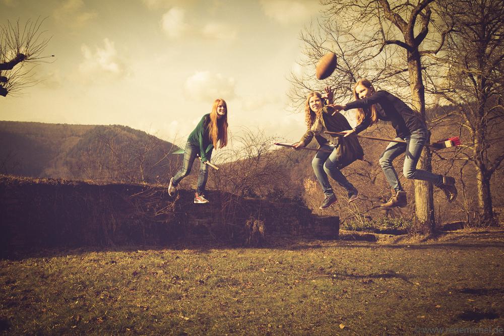 1. internationales Witch-Rugby auf der Burg Reichenstein