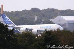 1. Landung des A380 in HH-Fuhlsbüttel (1)