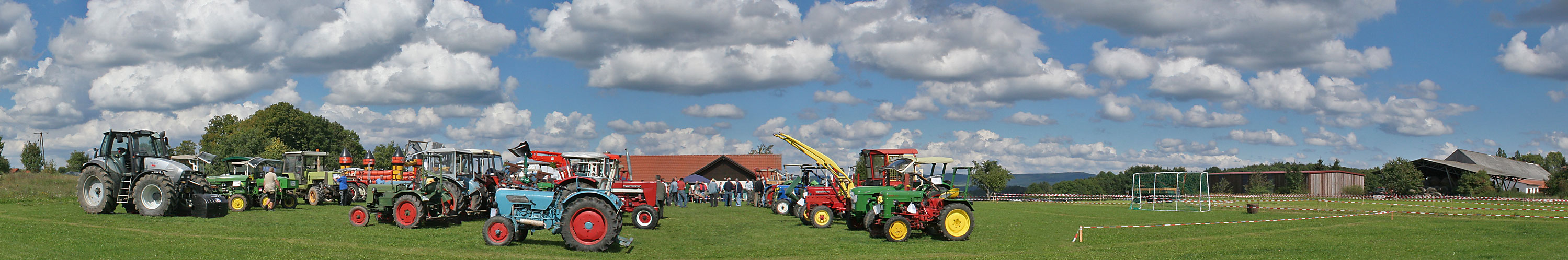1. Traktortreffen...