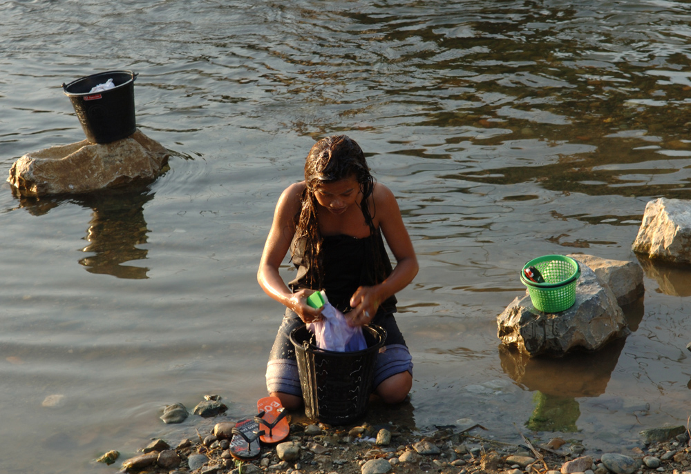 1) Walkabout S/E Asia. Evening bathing and laundry duties in the Naam Som River!!