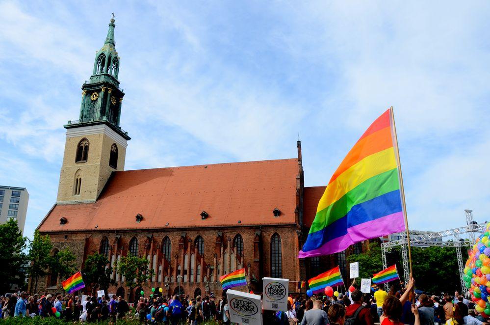 10 0000 Demo Homophob No Putin 2014