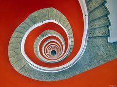 10 Stockwerke in Rot