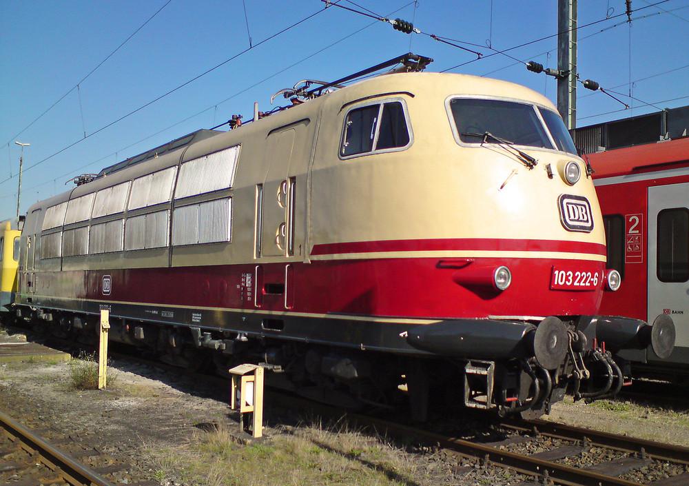 103 222 mit Messzug in Köln