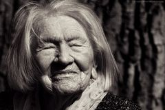 106 Jahre voller Sorgen, Arbeit, Kummer, aber auch unendlich viel Liebe......